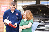 Mechanic: Man Explains Repair Bill - 77091992