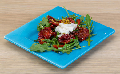 Salad with dried tomato