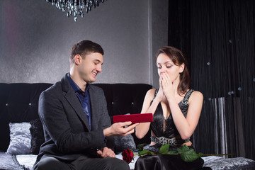 Woman Received a Jewelry Gift From Boyfriend