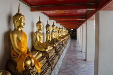 Reclining buddha of Pho temple