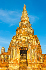 stupa du temple de wat chai watthanaram, thaïlande