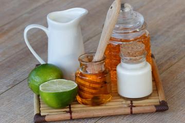 Milch Honig und Limetten