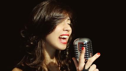 Music woman singer vowels