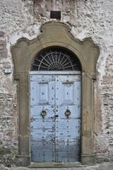 Arcevia, la porta della casa anrica