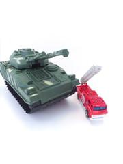 戦車・消防車・破壊・救出