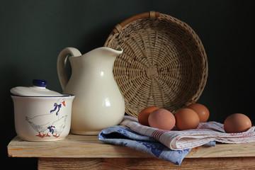 Кувшин и яйца
