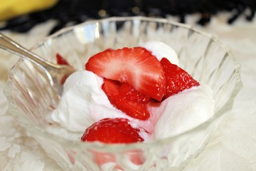 strawberries with whipped cream