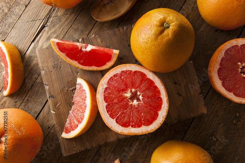 Deurstickers Keuken Healthy Organic Red Ruby Grapefruit