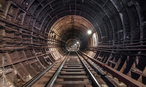 industrialny-tunel-metra-w-budowie