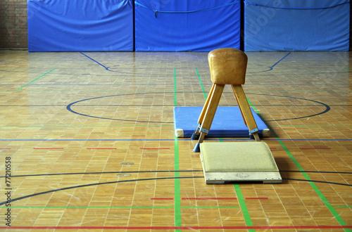 Fotobehang Fitness Turnen Sportunterricht Springen Bock