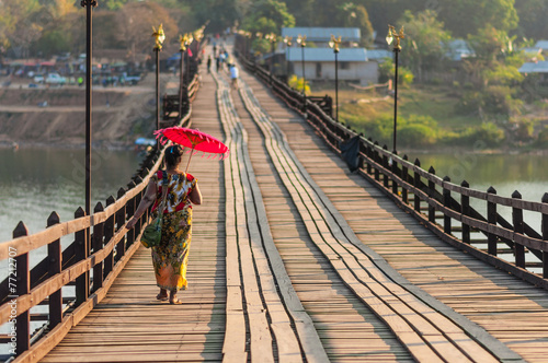 Papiers peints Pont Sangkhla Buri bridge