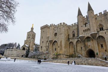 Palais des Papes sous la neige