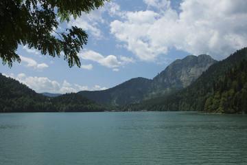 Озеро Рицца в Абхазии