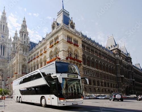 Leinwanddruck Bild Reisebus