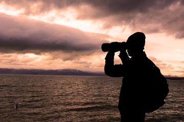 göl üzerindeki kuşları gözlemlemek