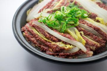 白菜とコンビーフのタジン鍋