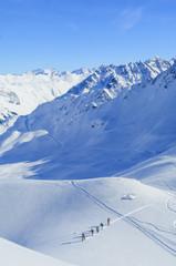 Gruppe auf Skitour unterwegs
