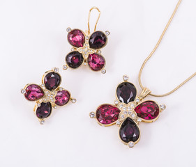 necklace and earring set clover shape and ruby