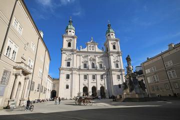 Salzburg - 021 - Dom - Domplatz