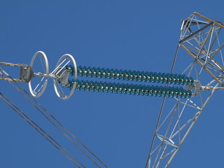 Electric isolators on pylon
