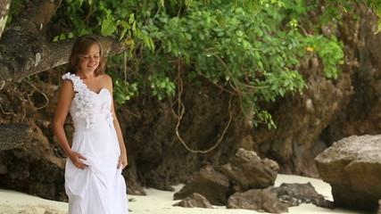 bride corrects hair and goes forward