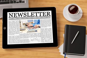 Newsletter online auf Tablet Computer