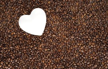 Kaffeebohnen und Herz