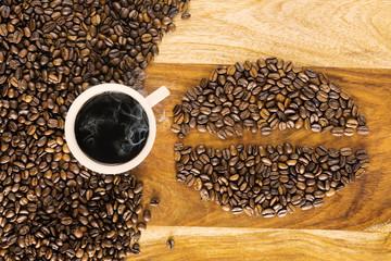 Dampfender Bohnenkaffee