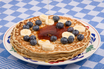 pancake with blueberries and banana