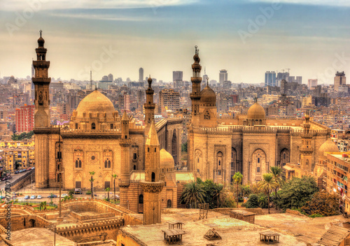 In de dag Egypte View of the Mosques of Sultan Hassan and Al-Rifai in Cairo - Egy