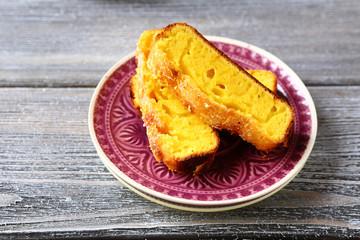 Slices of tea cake with lemon