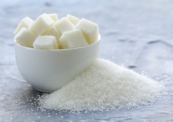 white granulated sugar and refined sugar
