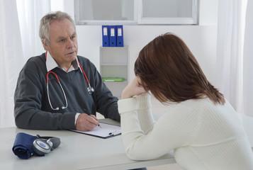 Consultation medicale  jeune femme