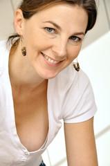 Freundliche Frau im Portrait