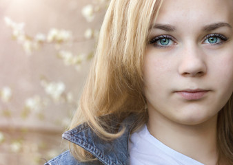 Girl (14-15) with blue eyes