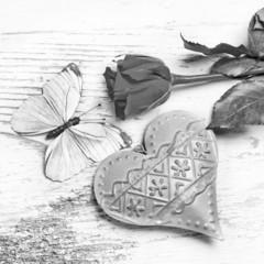 Rose, Herz und Schmetterling