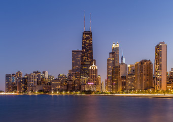 USA, Illinois, Cook County, Chicago, Gold Coast, View of North Pier at sunset