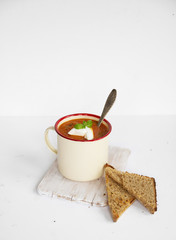 Carrot cream with bread