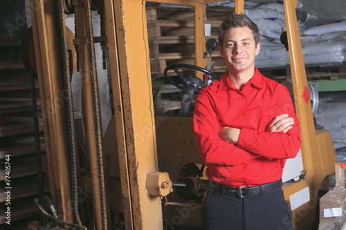 Poster Trappen Hardware store employee