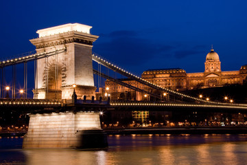 Hungary, Budapest, Chain Bridge illuminated at night