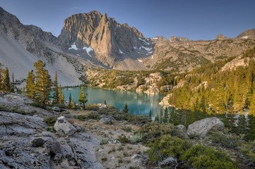 USA, California, Inyo National Forest, Temple Crag and Second Lake
