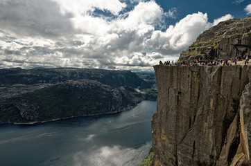 Norway, Rogaland, Preikestolen, Tourists on cliff