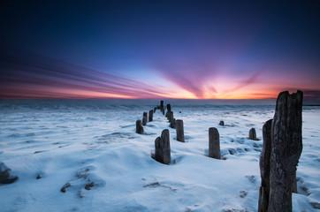 USA, Illinois, Evanston, Lake Michigan at sunrise
