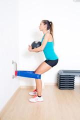 Quadriceps Eccentric Training with Russian belt