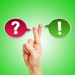 Sprechblasen an Hand als Symbol für Kommunikation