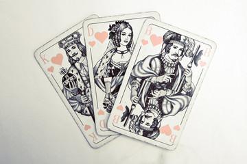 könig dame bube weiß buchcover dreiecksbeziehung