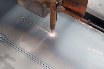 CNC LPG gas cutting on metal plate : Stright line cutting