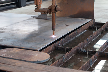 CNC LPG gas cutting on metal plate