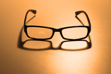 Reading glasses with retro color effect