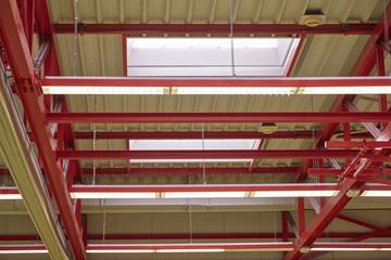 Hallendach mit Stahlkonstruktion